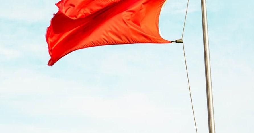 ธงแดงขนาดใหญ่ที่บ่งบอกถึงการหลอกลวงคาสิโนออนไลน์